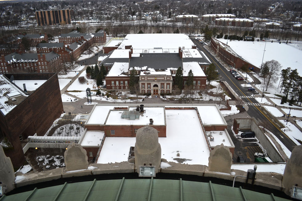 And there are those owls perched on the roof, looking over the Robert B. Goergen Athletic Center to the north. Fauver Stadium is on the right. [PHOTO: RochesterSubway.com]