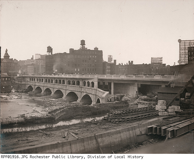 Broad Street Bridge under (re)construction [PHOTO: Rochester Public Library, Division of Local History