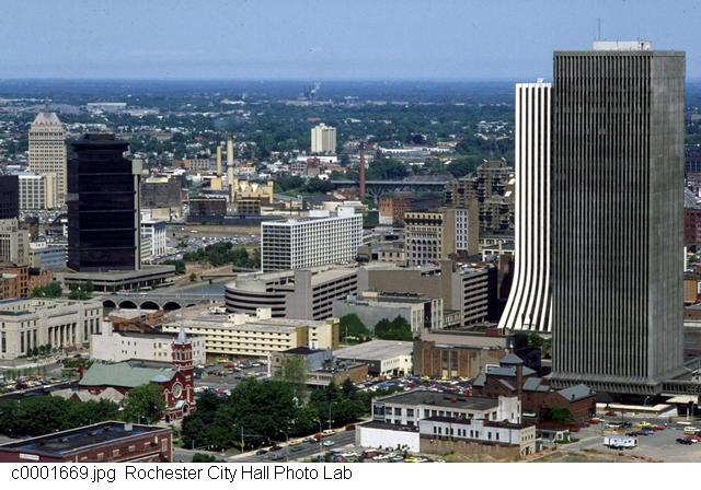 Downtown from Monroe Ave [PHOTO: Rochester City Hall]