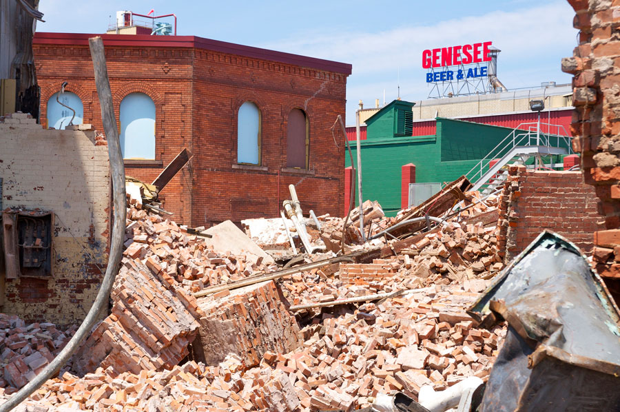 Genesee Brewery, demolition of historic Cataract Brewhouse. [PHOTO: Rick U.- RocPx.com]